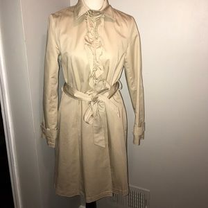 NY&CO classic beige trench coat with ruffles👒