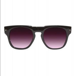 NWOT Quay Sunglasses | Encounter