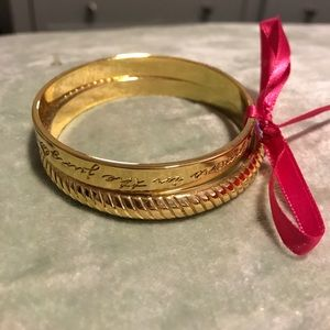 Set of 2 gold bangle bracelets
