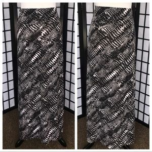 Pure Energy Black White Print Long Maxi Skirt