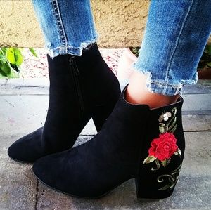 LAST PAIR!! //The Carly// Black flower booties