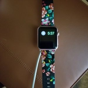 Apple Watch Series 1. Had for less than a year.