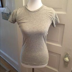 Like new grey tshirt