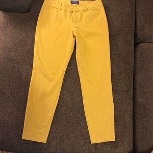 Old Navy 6 pixie pants mustard goldenrod