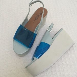 Nasty Gal Blue and White Platform Sandals Size 6