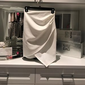 Heart beeps stretch envelope skirt