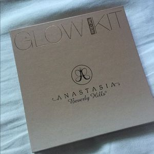 Anastasia That Glow Glow Kit