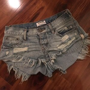 One Teaspoon Shorts (25 but will fit 26/27)