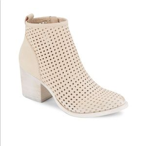Dolce Vita Kenyon Sand Distressed Perforated Boots