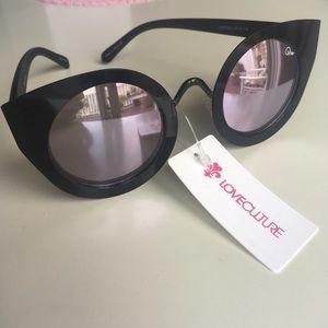 NWT Quay Australia Tainted Love sunglasses!