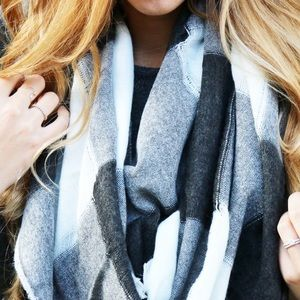 Accessories - two tone fringe scarf