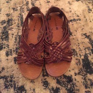Shoes - Woven Sandals
