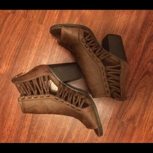Rampage wedges size 6