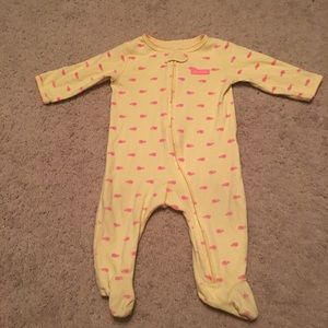 EUC Carter's One Piece Footed PJs Size: 6 months