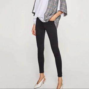 ZARA NWOT mid rise skinny jeans