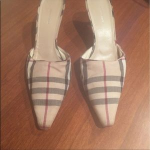 Shoes - Burberry. Size 10.