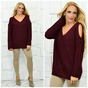 COZY BURGUNDY SWEATER
