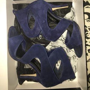 White House Black Market Officer Blue Katia shoe 7