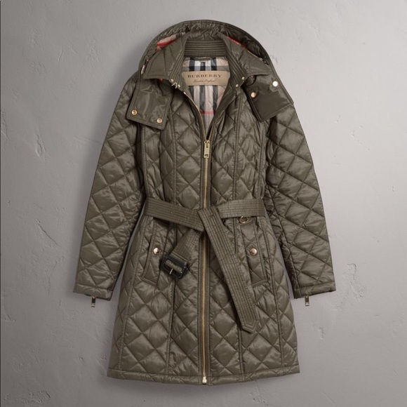 Burberry Jackets Coats Brit Finsbridge Quilted Coat Mink Gray