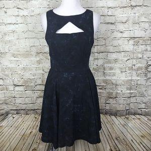 BB Dakota Dress Size 8 Sleeveless Cut Out Sheath