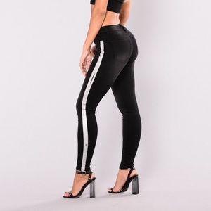 Denim - FN silver side stripe jean