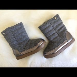 NWOT Stevies Girls Gray Faux Fur Winter Boots 13