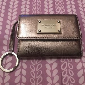 MK ID holder/wallet lots of little compartments.