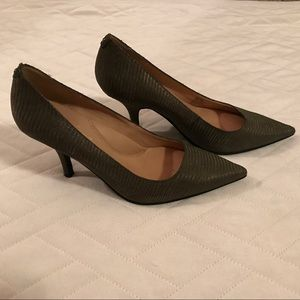 Kenneth Cole New York Olive Snake Pumps 8.5