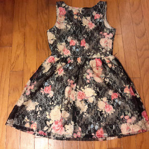 Dress Flowers LACE SZ M/L