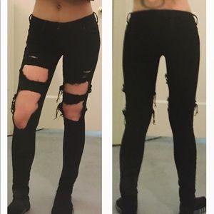 Bullhead Black Destroyed Skinniest Jeans Size 0