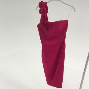FUCHSIA ONE STRAP DRESS WITH FLOWER DETAIL
