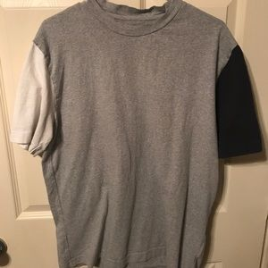 URBAN OUTFITTERS dual colored tee