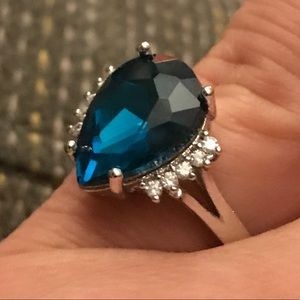Gorgeous blue Sapphire teardrop style 925SS ring