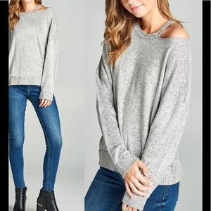 Sweaters - Heather gray sweater with cut out shoulder