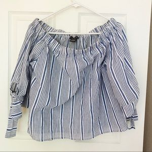 NWOT Off the shoulder pinstriped blouse