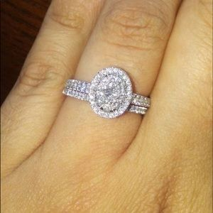 Oval Engagement Ring *BRAND NEW*