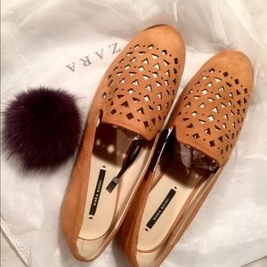 Zara- DETAILED FLATS- new with tags 😍😍