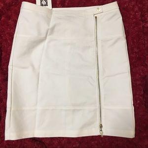 NWT Anne Klein off white pencil skirt size 6