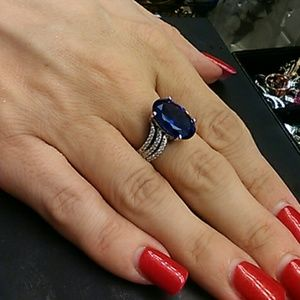 Beautiful 10.50cts AAA Blue Diamond Solid 925