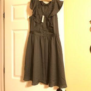 Banana Republic Women's Dress Size 6 in Gray .