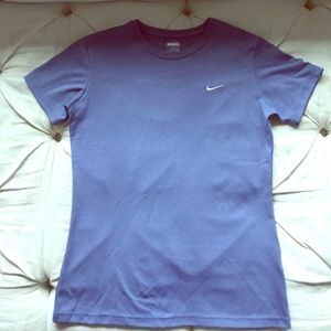 NWOT Nike dry fit ladies t shirt size S 😍
