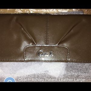 Original Coach Ashley Patent leather LargeWristlet