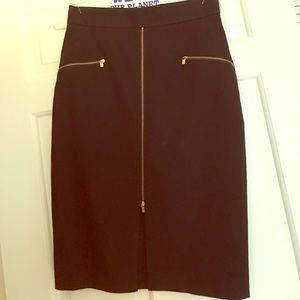 Black pencil skirt w gold zipper detail!