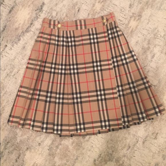 bba43707a1 Burberry Dresses & Skirts - Burberry Nova Check Wool Pleated Vintage Skirt
