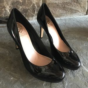 Vince Camuto 7.5 patent leather pumps