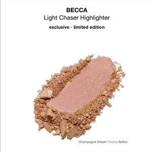 BECCA -Light Chaser Highlighter