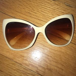 Really good condition tom ford sun glasses