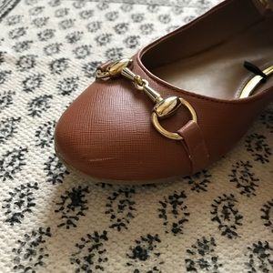 Banana Republic Shoes - Banana Republic Caramel Flats