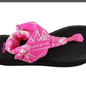 New Sanuk pink yoga sling flip flops sandals!