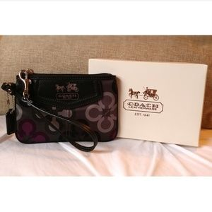 COACH wristlet *only used once*